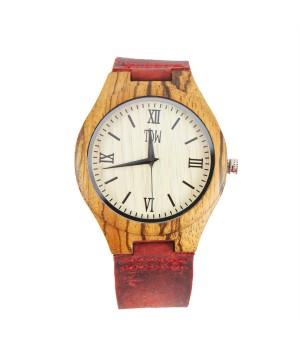 Drewniany zegarek z cyframi...